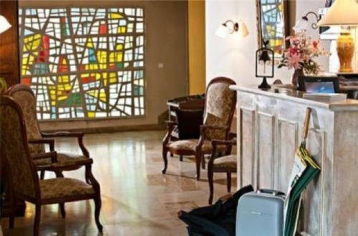 h tel restaurant la croix blanche h tels beaurepaire en bresse. Black Bedroom Furniture Sets. Home Design Ideas