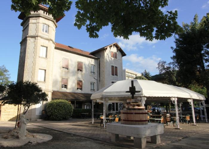 H Ef Bf Bdtel Restaurant La Commanderie De Champarey Bourgoin Jallieu France