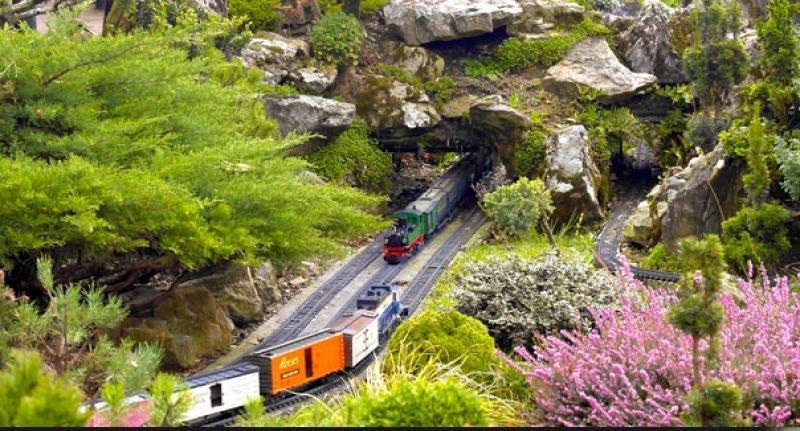 Le jardin ferroviaire parc chatte for Jardin ferroviaire