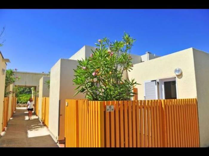 Tern lia les portes du roussillon villages vacances le - Village vacances les portes du roussillon ...