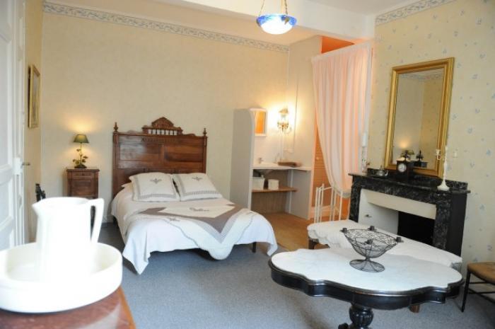 le relais de l 39 alaric chambres d 39 h tes moux. Black Bedroom Furniture Sets. Home Design Ideas