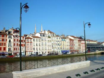 Circuit bayonne ville de patrimoine bayonne - Piscine haut de bayonne ...