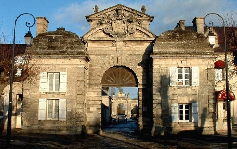 """Résultat de recherche d'images pour """"château de Blérancourt"""""""